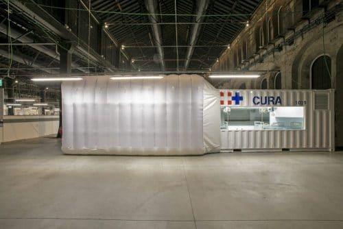 Unité de soin CURApod, aménagée dans dans un conteneur